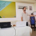 Filippo De Monte, il capoprogetto, fa i saluti iniziali prima dell'inizio della formazione sulle tecniche agronomiche.